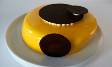 Dark chocolate, banana and lime Entremet